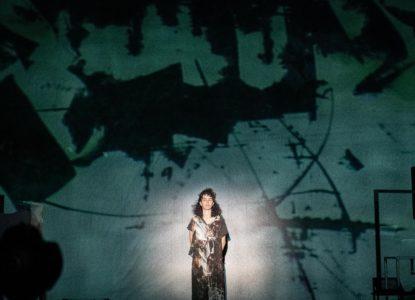 Antigone in Molenbeek scènebeeld c Kurt Van der Elst 4