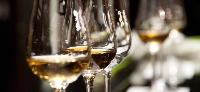 Wine glasses 1246240 1920