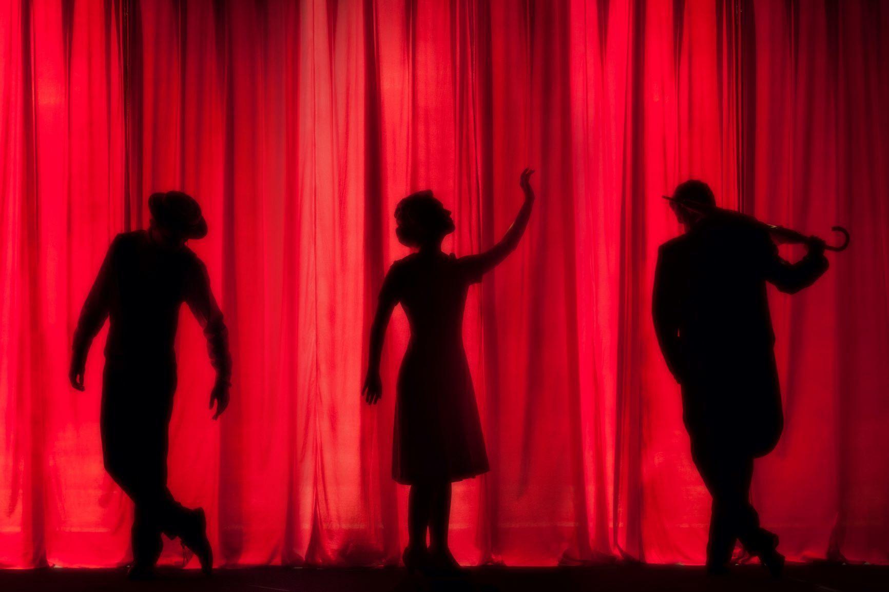 Theater silhouetten aangepast